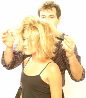 Lanza with Client getting very choppy messy shoulder length layers 2009